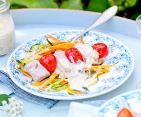 Brochette de thon mariné, vapeur de légumes d'été
