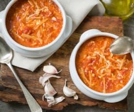 Sopa de ajo con tomate