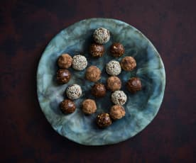 Hazelnut crunch bliss balls
