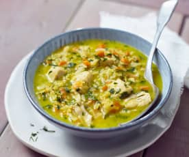 Risoni-Gemüse-Suppe mit Hähnchen
