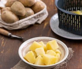 Gotowanie ziemniaków w koszyczku