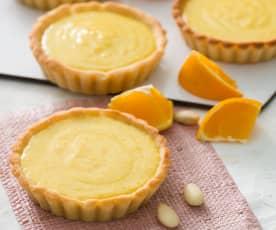 Tartaletas de almendra con crema de naranja