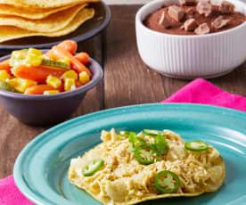 Tinga de pollo en salsa verde, verduras y bizcocho de chocolate al vapor