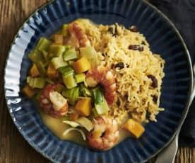 Gemüsecurry mit Crevetten und Sultaninenreis