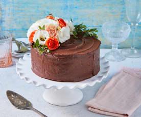 Pastel de vainilla con betún de chocolate