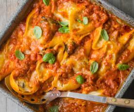 Three Cheese Conchiglioni with Tomato Sauce - Conchiglioni ai tre formaggi e salsa al pomodoro