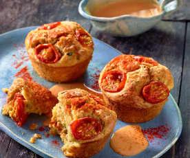 Muffiny cukiniowo-pomidorowe z kremowym sosem serowym