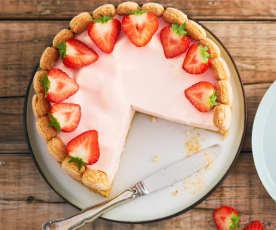 Erdbeer-Quarktorte mit Marshmallows