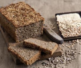 Chleb pszenno-żytni na zakwasie z pięcioma ziarnami