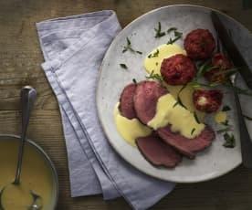 Roastbeef con canederli di barbabietole e salsa olandese allo zenzero