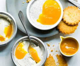 Pannacotta à la vanille et coulis de mangue