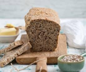 Chleb pszenny z siemieniem lnianym