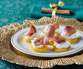 Crostini di polenta con tonno affumicato