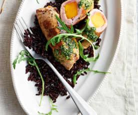 Kürbisinvoltini mit Venere-Reis und Pesto