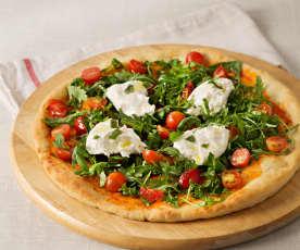 Pizza con tomate y mozzarella frescos
