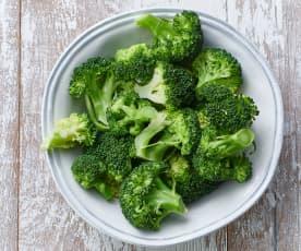 Cozer 250 g de brócolos