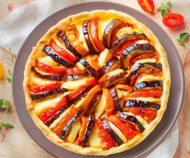 Torta salata con melanzane e pomodoro