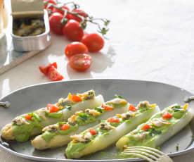 Espárragos blancos con emulsión de cilantro y berberechos