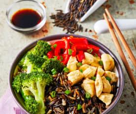 Tepanyaki de pollo y verduras con arroz salvaje