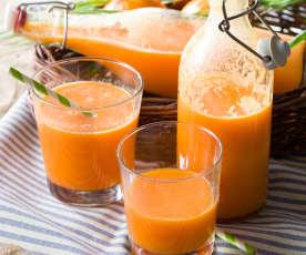 Suco de maçã, cenoura e hortelã