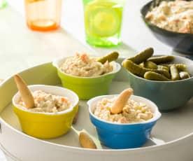 Ensaladilla de atún, encurtidos y mayonesa
