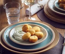 Crocchette di ricotta e menta con salsa allo yogurt