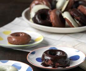 Rosquillas de bizcocho de chocolate