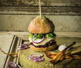 Wilde Burger mit Cumberland-Rotkraut