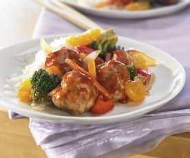 Fleischbällchen süß-sauer mit Mandarinen, Gemüse und Reis