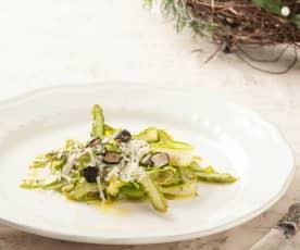 Tagliatelle de espárragos verdes con parmesano y trufa