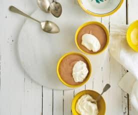 Mousse de chocolate e avelã
