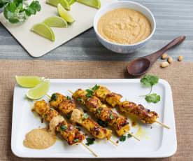 Satay de poulet avec sauce aux cacahuètes (Hestan Cue™)