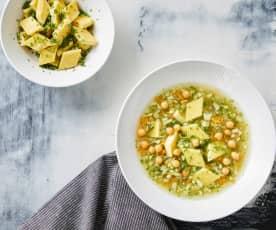 Gemüse-Eierstich-Suppe