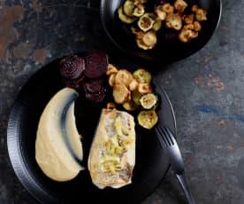 Truta em sous-vide com puré de feijão e legumes crocantes