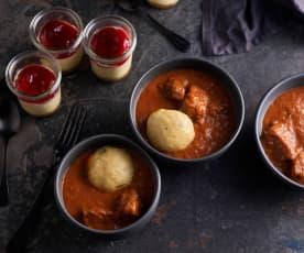 Menú: Gulash y buñuelos de pan al vapor. Mini cheesecakes
