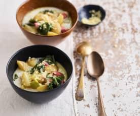 Sopa com salsicha e couve