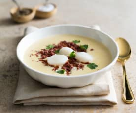 Creamy scallop soup with chorizo
