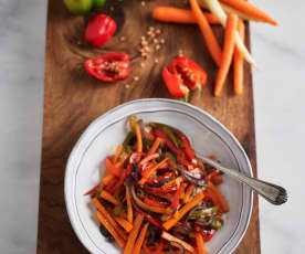 Gemischtes Gemüse anbraten