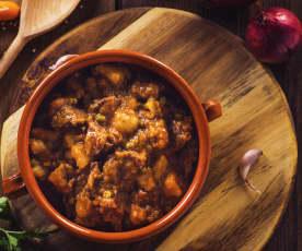 Spezzatino di manzo con piselli e patate