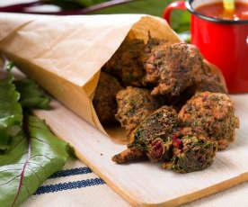 Buñuelos de hojas de remolacha