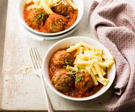 Macaroni sauce tomate et boulettes de viande