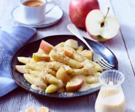 Schupfnudeln mit Karamellsauce und Äpfeln