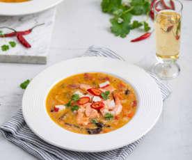 Orientalna zupa z owocami morza
