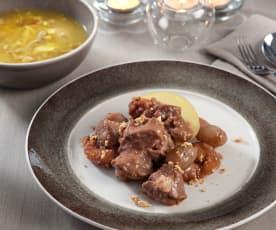 Menú: Sopa de picadillo. Cordero con salsa de turrón, dátiles y orejones