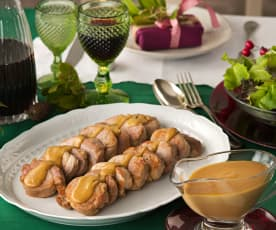 Medallones de solomillo de cerdo flambeado y salsa de turrón