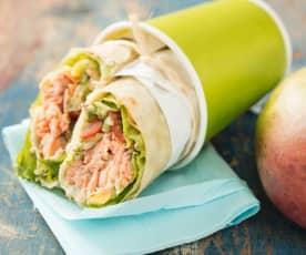 Zalmforel wrap met avocado en mango salsa