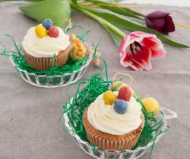 Mini Egg Cupcakes