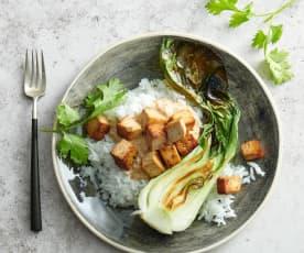 Tofu-Spiessli mit Erdnussauce und Reis
