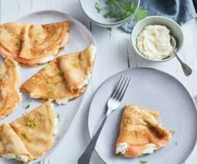 Crêpes al salmone e formaggio all'aneto