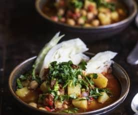 Sopa de chorizo, papas y col